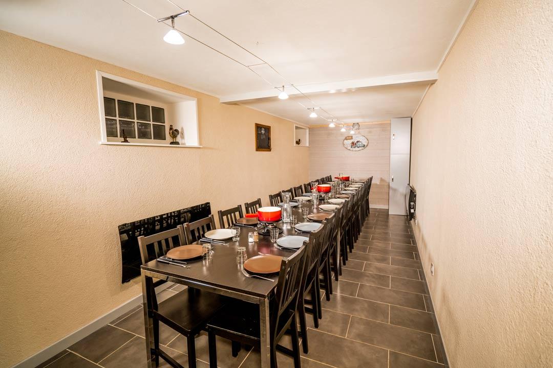 Salle commune jusqu'à 24 personnes, idéale pour familles, amis ou groupes sportifs, au pied des pistes - Gites les gentianes à Morbier